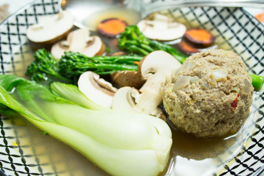 Rezept für Asia Suppe mit Fleischbällchen und Gemüseeinlage