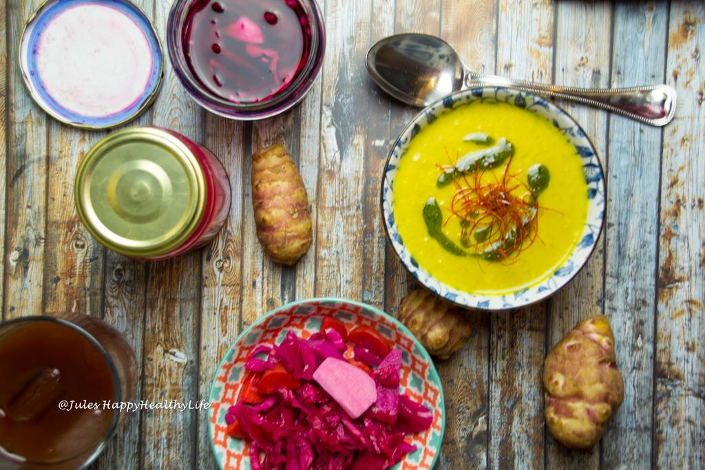 Topinambur Safran Suppe und fermentiertes Gemüse