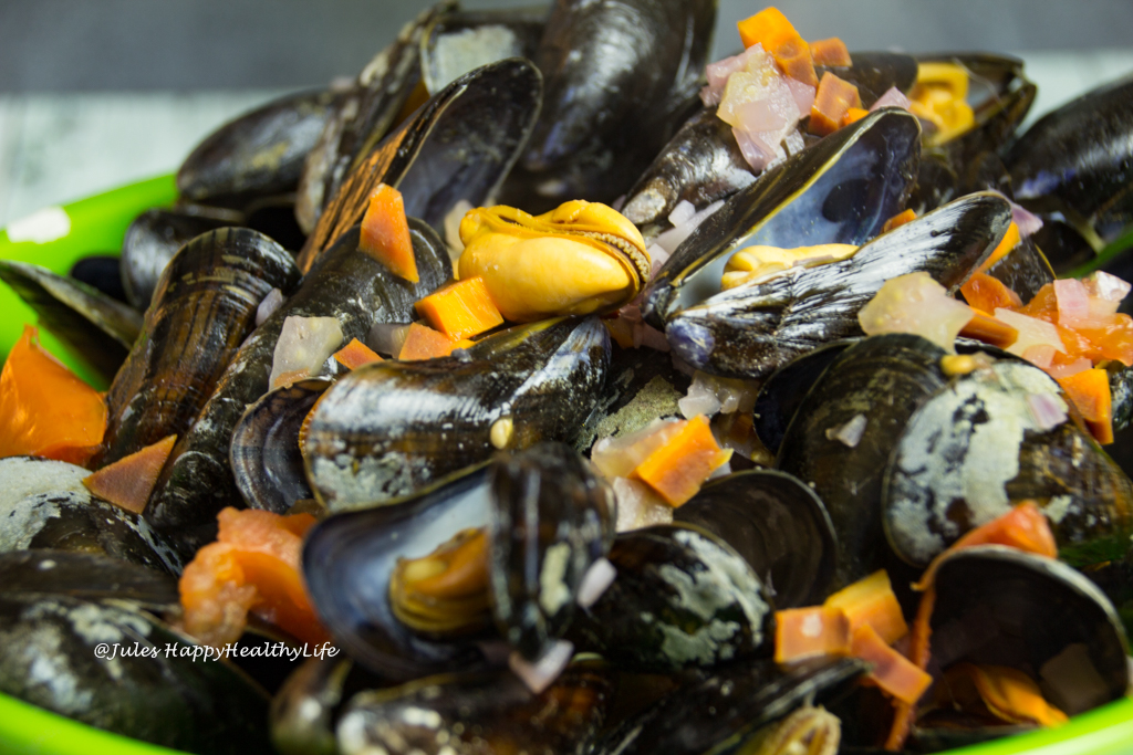 gluten free Blue Mussels in White Wine in a big bowl
