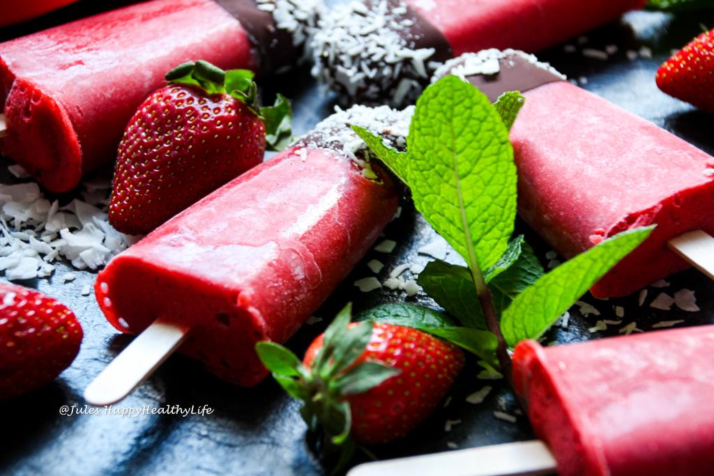 Instructions to make vegan Minty Strawberry Popsicles