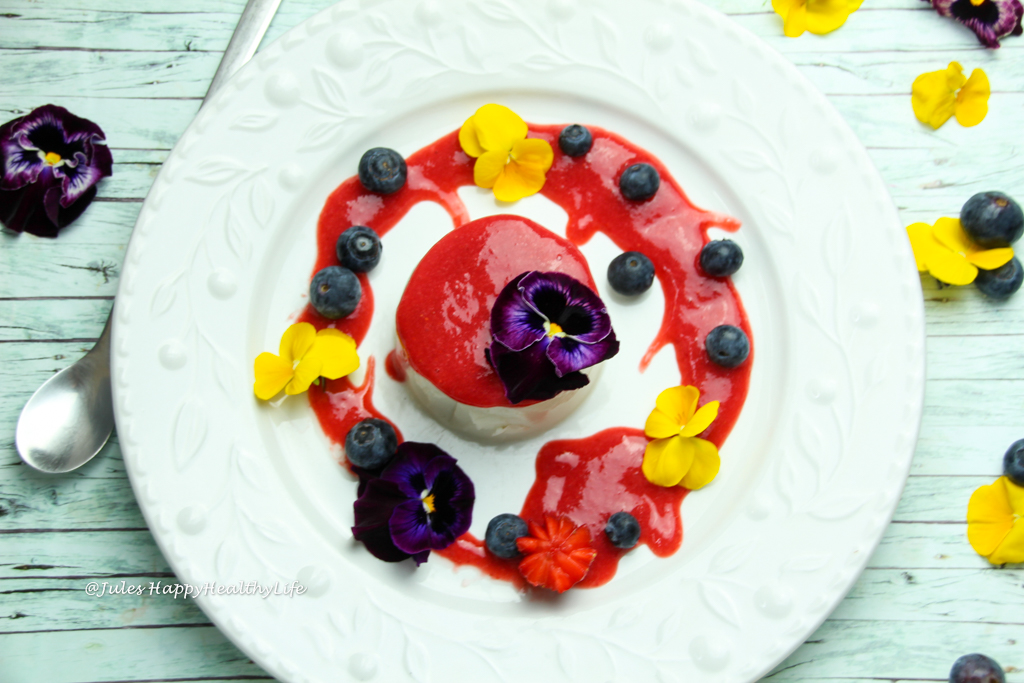 Dairy free Coconut Panna Cotta with Strawberry Sauce - Easy dessert