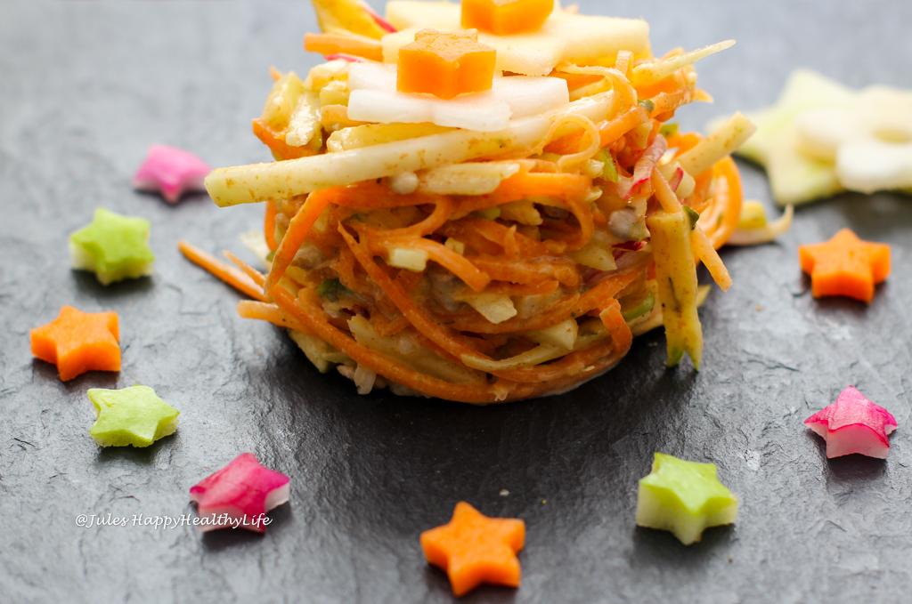 Buntes, gesundes Rezept für veganen, glutenfreien Kohlrabi Coleslaw