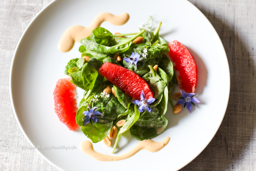 Inspired by the KOI Restaurant in Munich - Baby Spinach Salad with Peanut Dressing