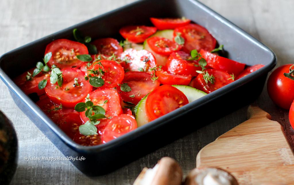 Gesunder Gemüseauflauf mit Feta und wenig Kohlenhydraten