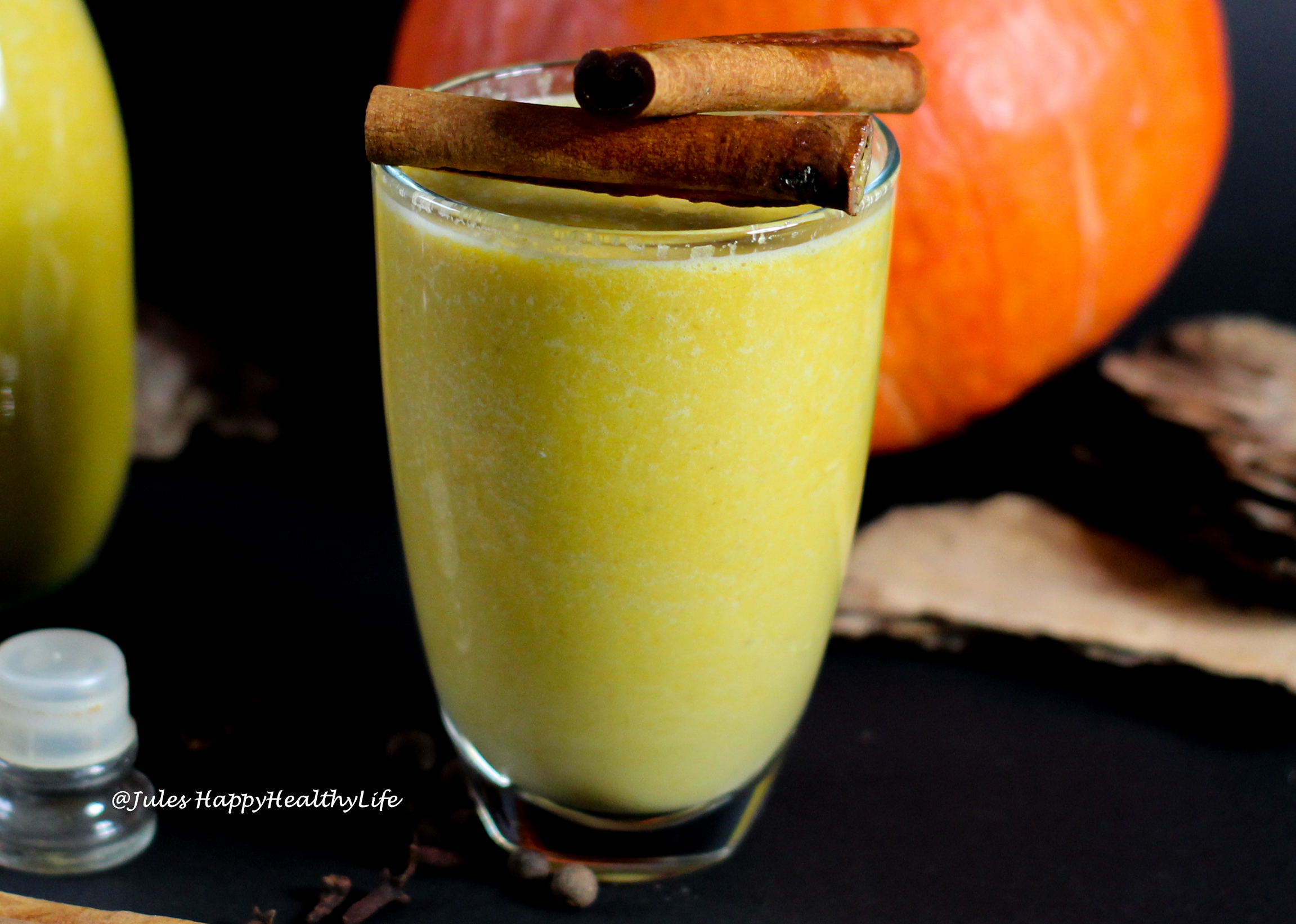 Perfect for fall or winter - Homemade Pumpkin Almond Milk with Pumpkin Spice