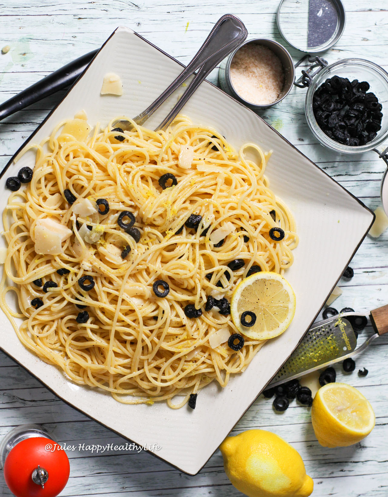 When you need a quick and still healthy recipe make Spaghetti with Lemon Sauce